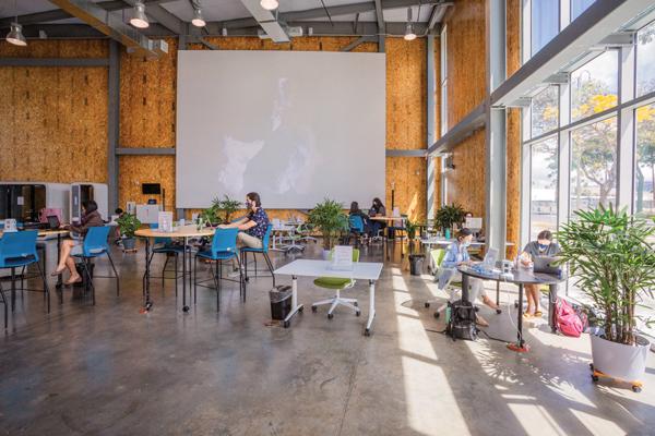 08 21 Hb Coworking Evolves Web Entrepreneursandbox